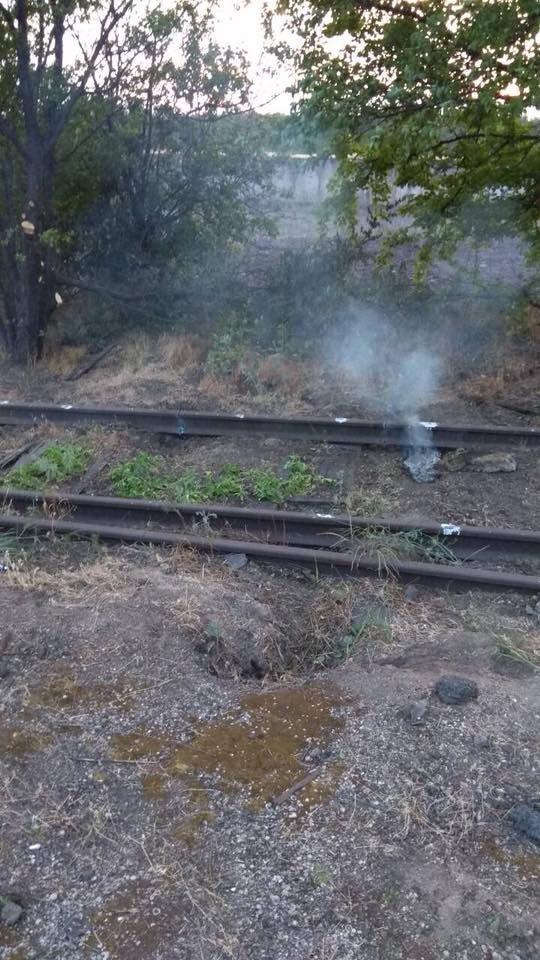 Под Мариуполем неизвестные пытались украсть железнодорожные рельсы, - ФОТО, фото-5