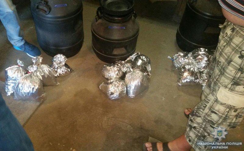 В Мариуполе у наркоторговцев полиция изъяла 15 кг каннабиса, - ФОТО, фото-4