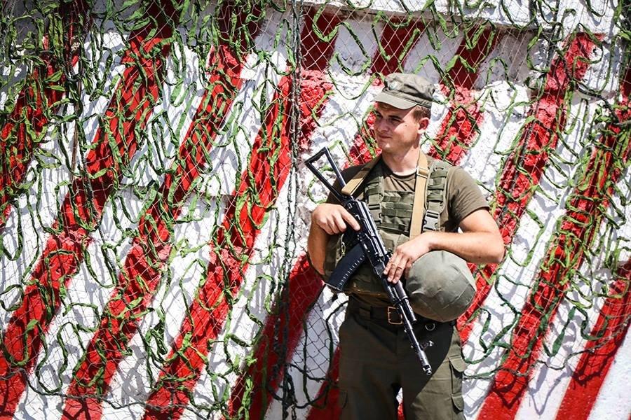 Под Мариуполем на блокпосту у водителя нашли автомат Калашникова, - ФОТО, фото-2