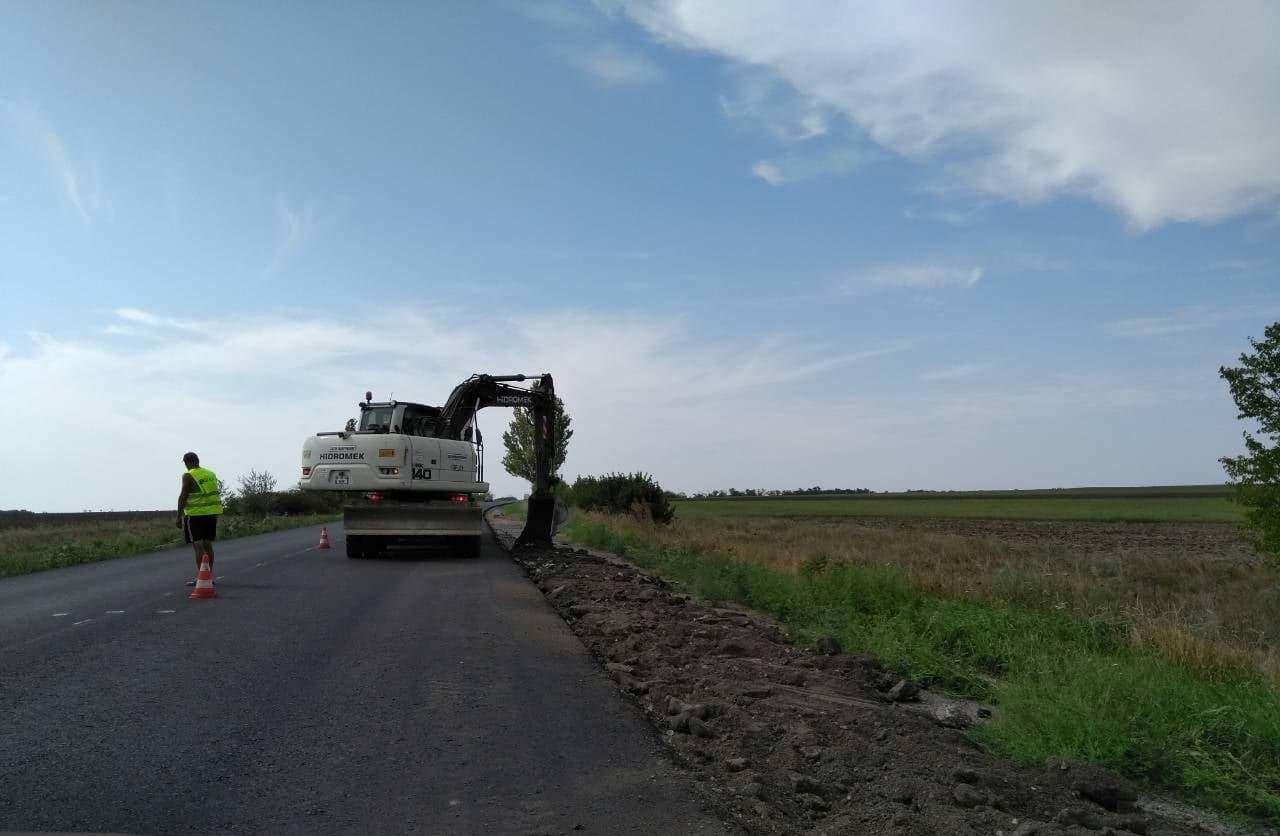 Ремонт трассы Запорожье - Мариуполь: уже восстановлено более 10 км дороги, - ФОТО, фото-2