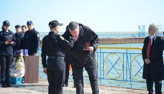 Аваков вручил наградное оружие мэру Мариуполя Бойченко, - ФОТО, фото-2