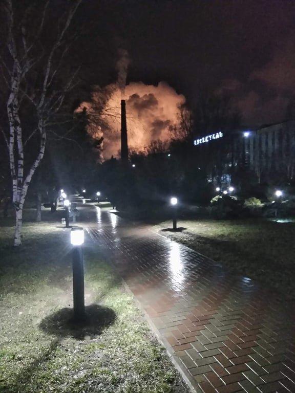 """Пожар на """"Азовстали"""": столб черного дыма и гигантское пламя, - ВИДЕО, ФОТО, ДОПОЛНЕНО, фото-3"""