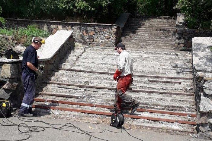 В Мариуполе отремонтируют лестницу к морю, - ФОТОФАКТ, фото-1