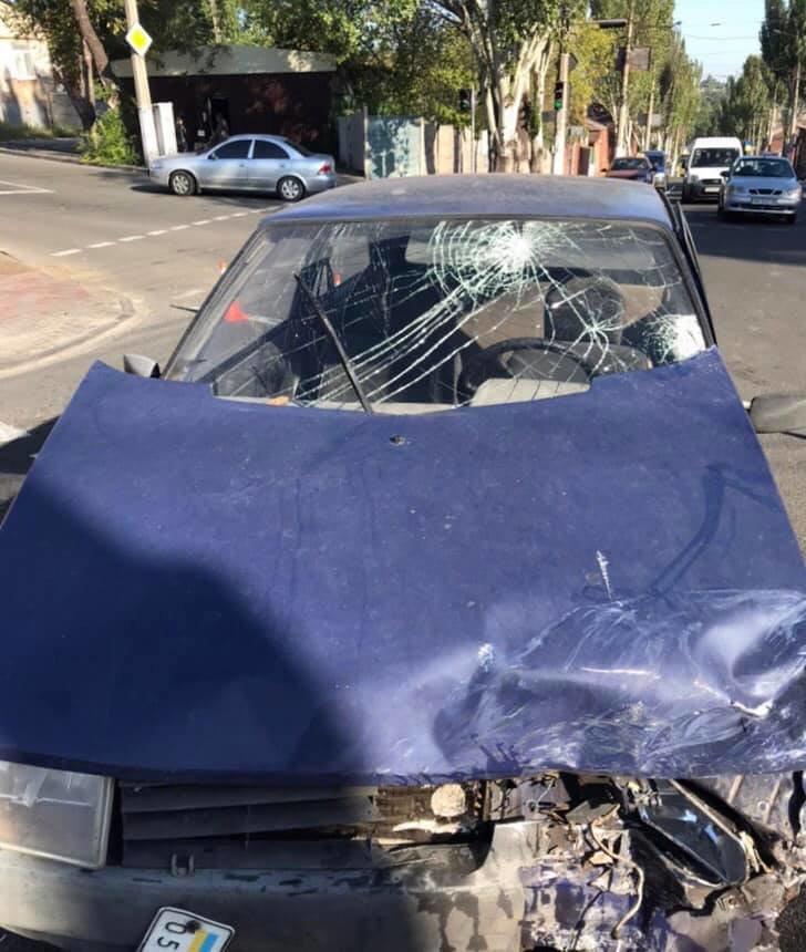 В Мариуполе в аварии пострадали три человека, - ФОТО, фото-4