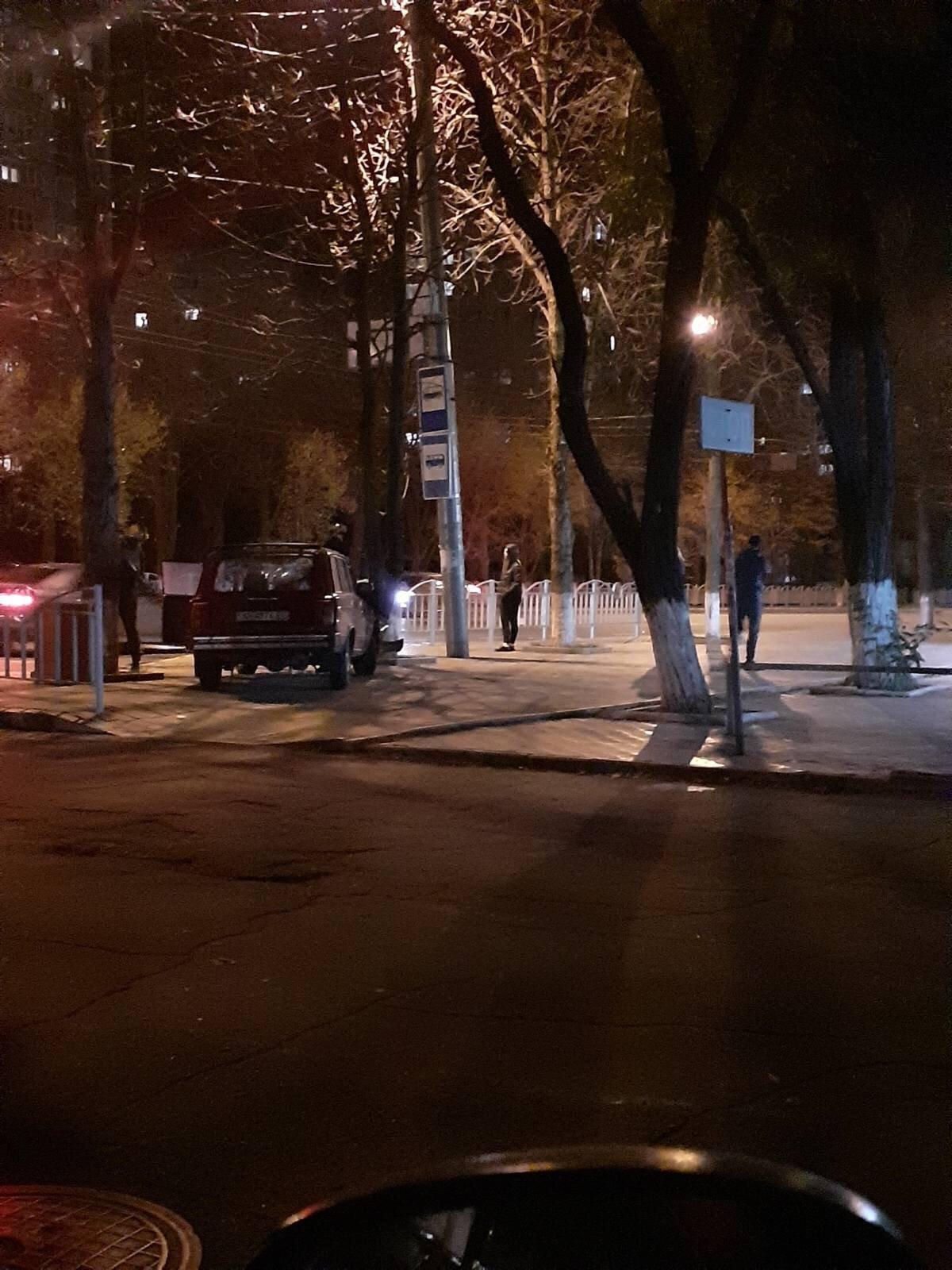 В Мариуполе водитель ВАЗа при столкновении вылетел из авто,-ФОТО, фото-3