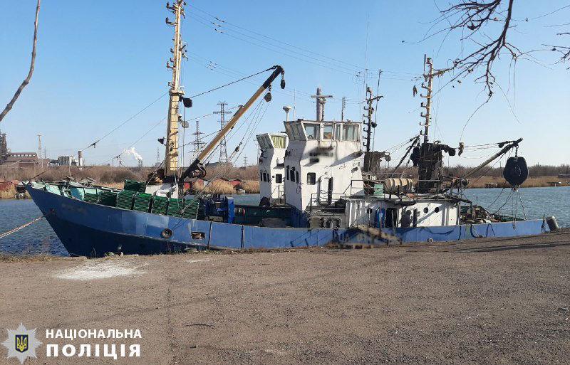 Полиция открыла уголовное производство по факту нападения на рыболовецкое судно в Мариуполе, - ФОТО, фото-1