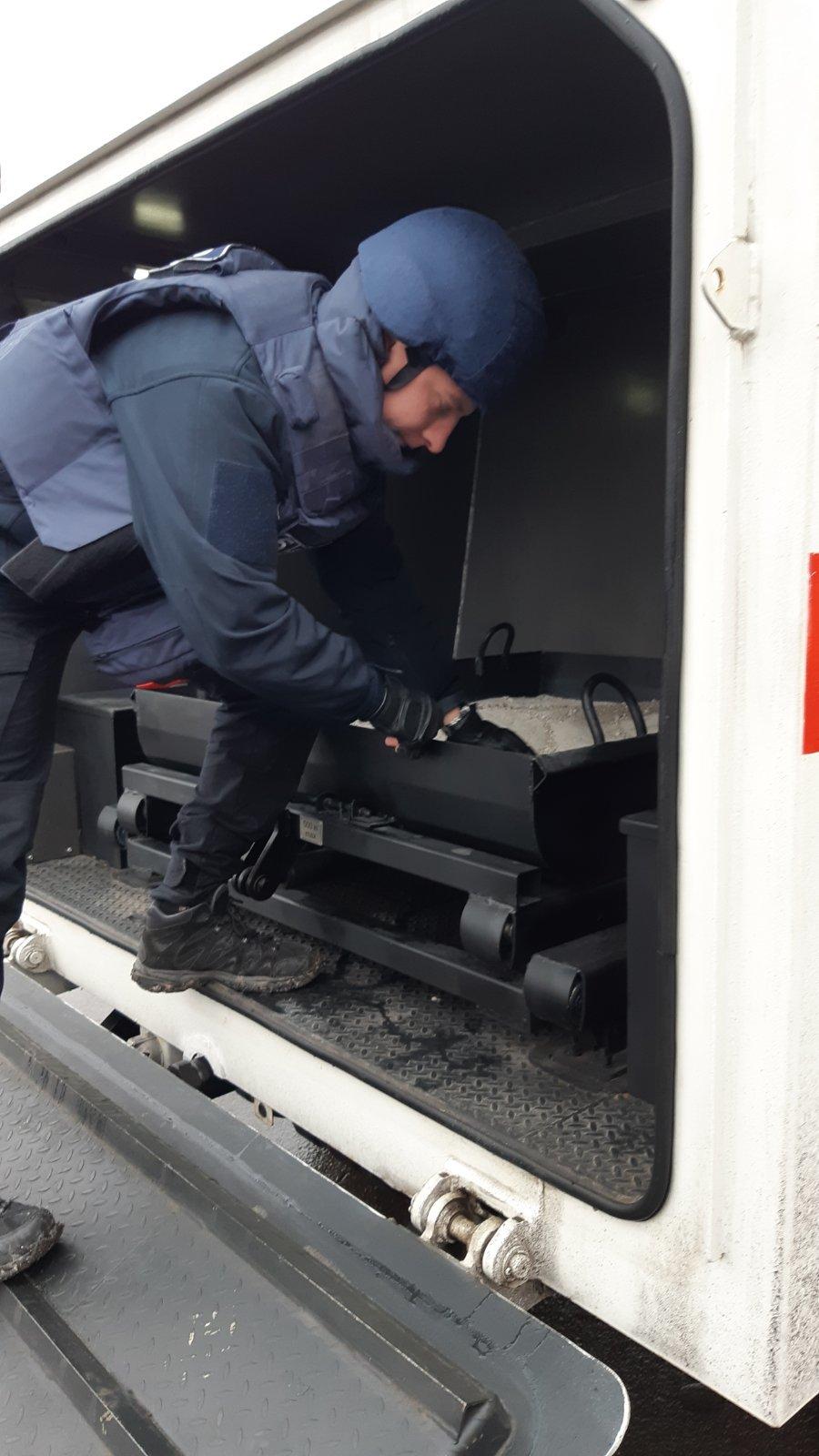 На мариупольском заводе нашли гранату, - ФОТО, фото-2