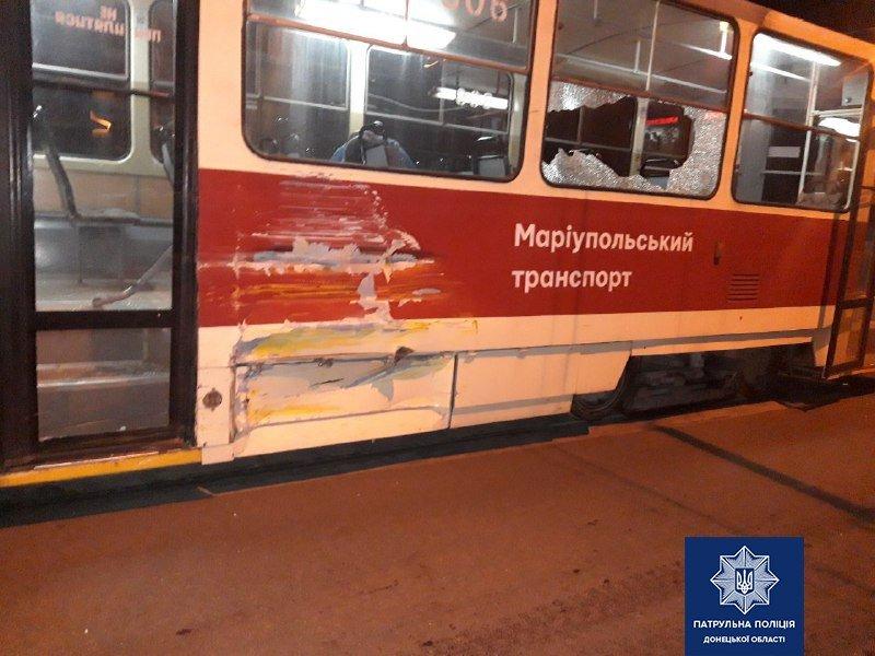 На таран! В Мариуполе автобус врезался в трамвай, -  ФОТО , фото-2
