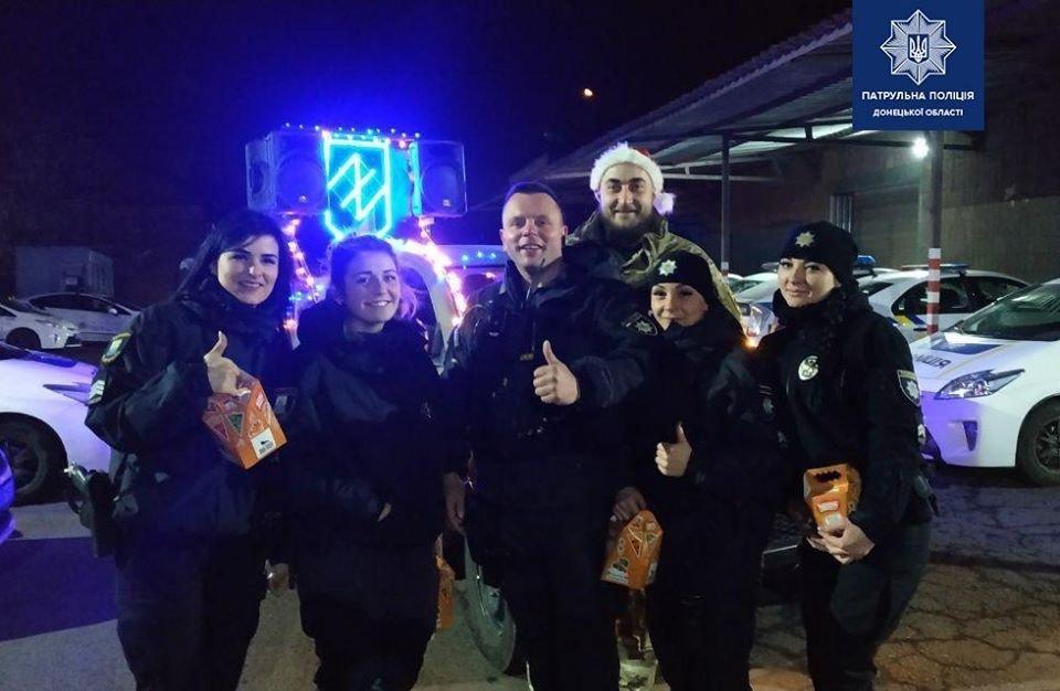 Полицейские Мариуполя сообщили, как прошла новогодняя ночь, фото-2