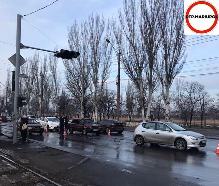 На Набережной в аварию попали две легковушки, - ФОТО, фото-2