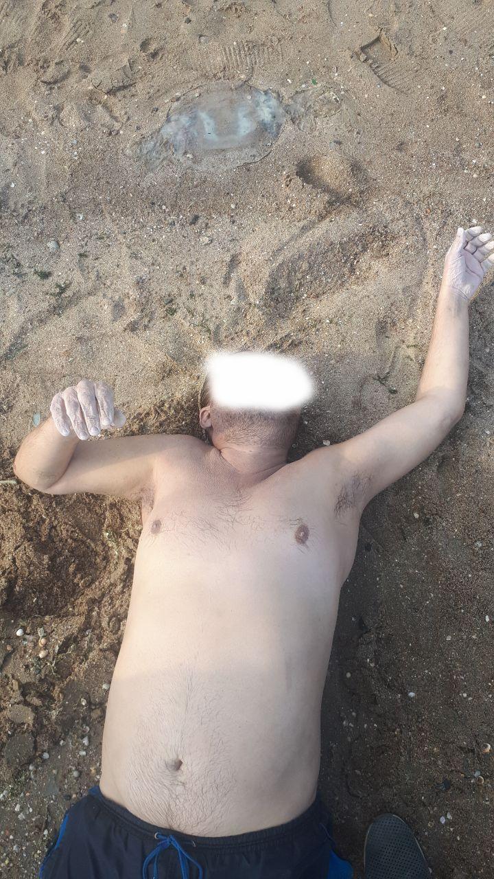 На мариупольском пляже утонул мужчина, - ФОТО 18+, фото-1
