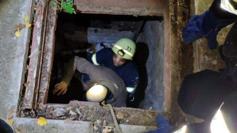 Мариуполец провалился в подвал, - ФОТО, фото-1
