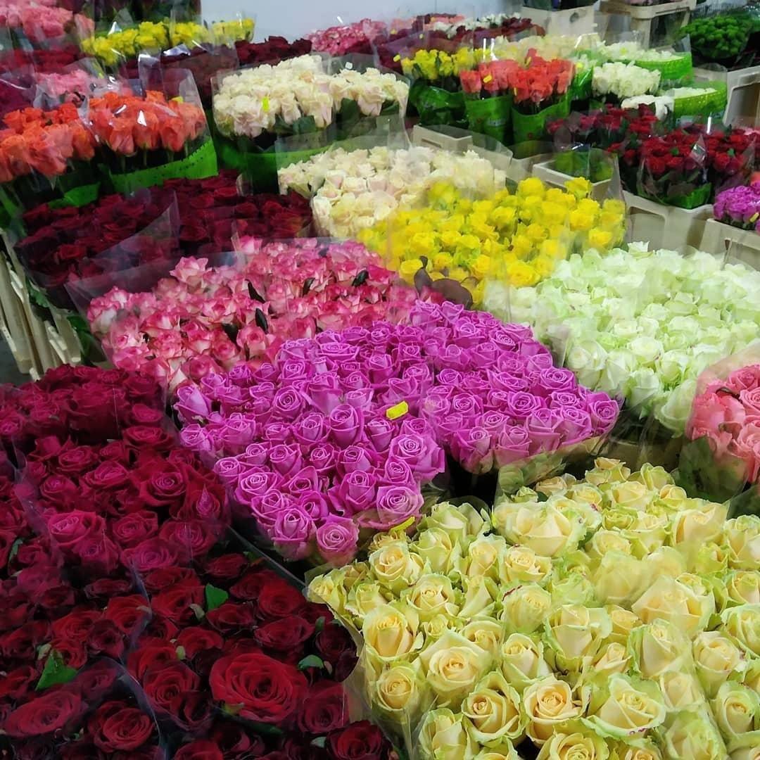 Напередодні свят Дня закоханих і 8 березня ринок «АЗОВСЬКИЙ» запрошує Всіх бажаючих для торгівлі квітами, фото-2