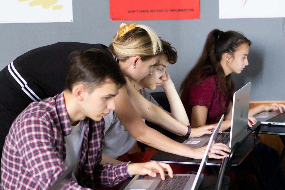 Помочь может каждый: в Мариуполе создали проект для оплаты дорогостоящих курсов в IT для подростков , фото-2