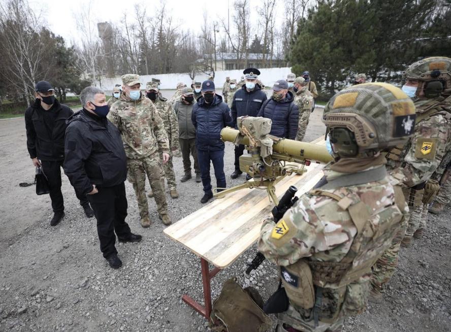 «Доля України, як і 7 років тому, вирішується на Донбасі»: Лубінець відвідав південь Донецької області, фото-2