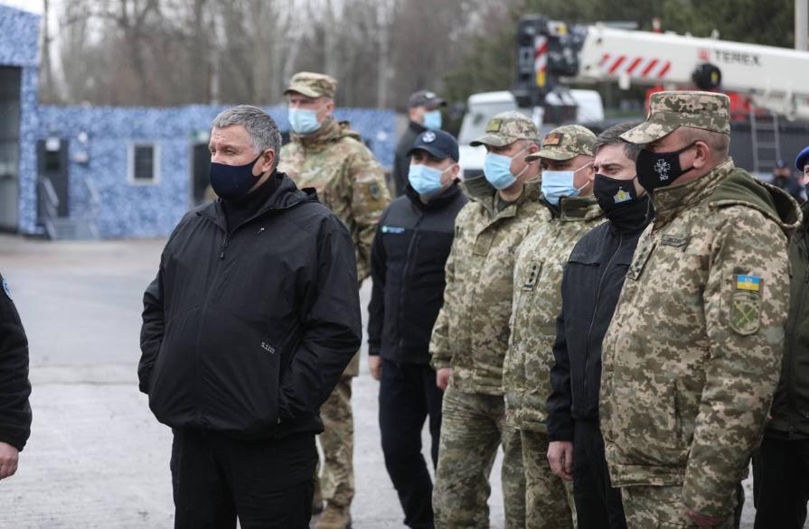 «Доля України, як і 7 років тому, вирішується на Донбасі»: Лубінець відвідав південь Донецької області, фото-3