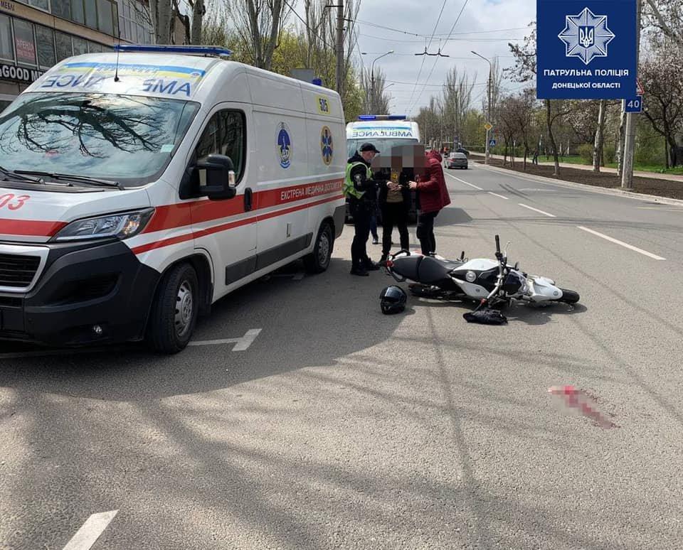 В Мариуполе мотоциклист сбил пожилую женщину, - ФОТО, фото-1