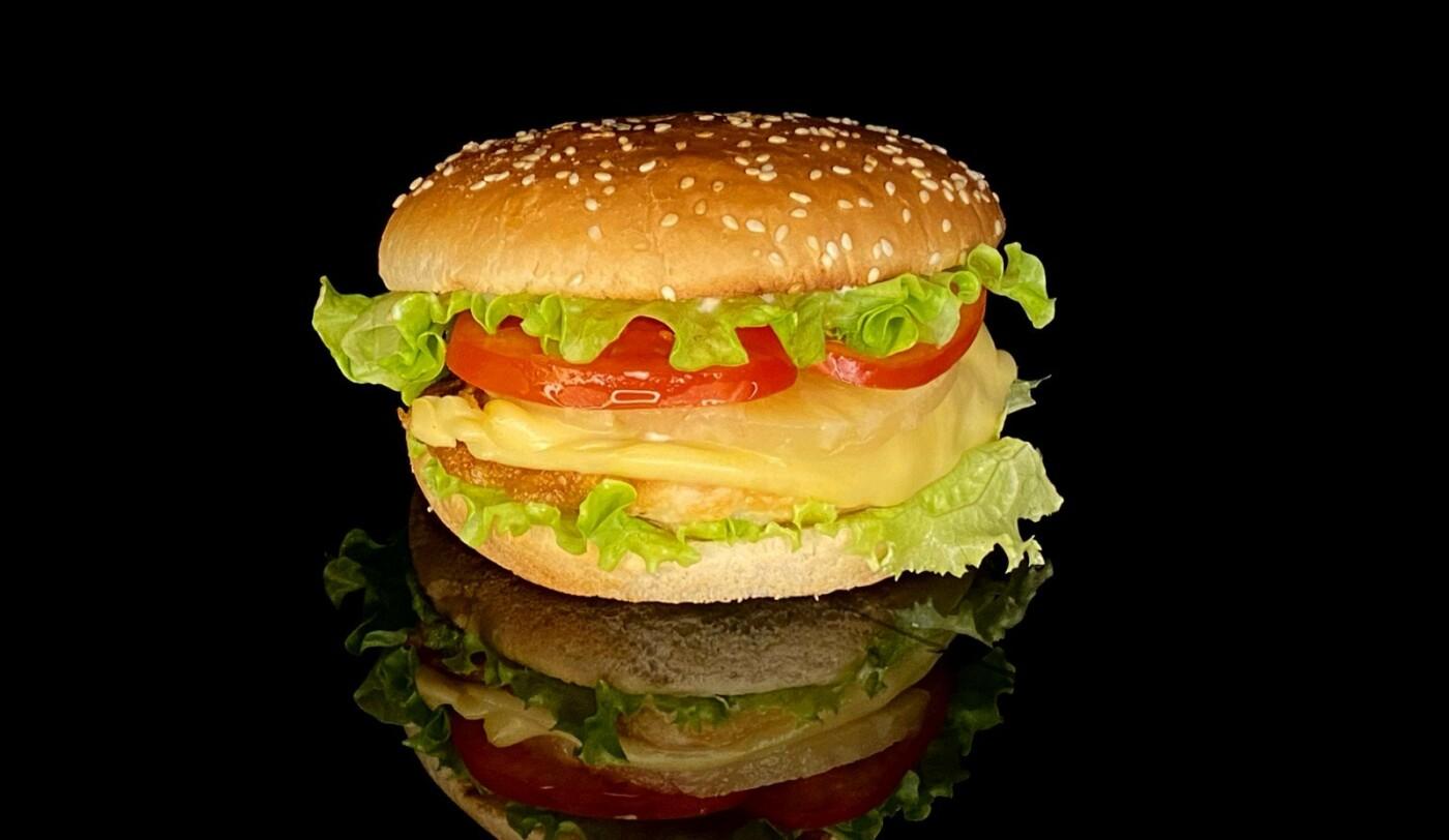 """Чем побаловать себя на выходных? Бургер меню и только от """"Max Fish"""", фото-2"""