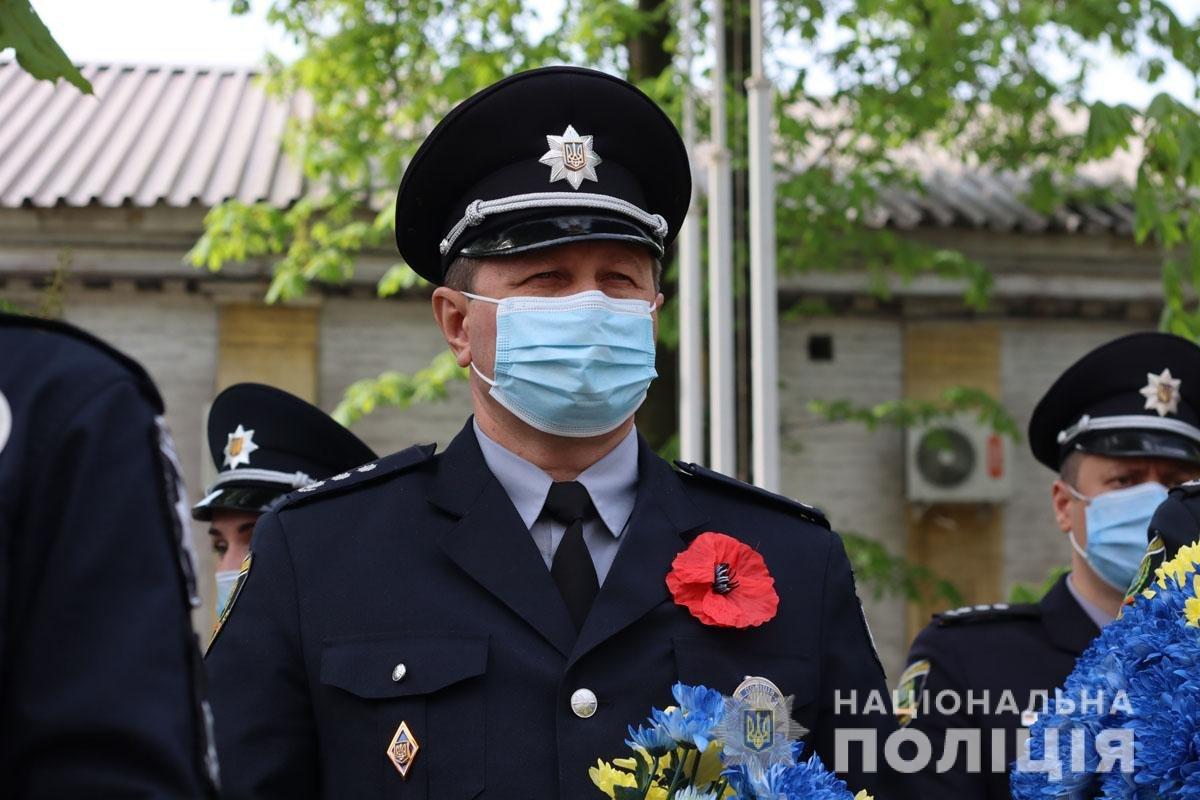 В Мариуполе почтили память погибших под ГУВД правоохранителей, - ФОТО, фото-1