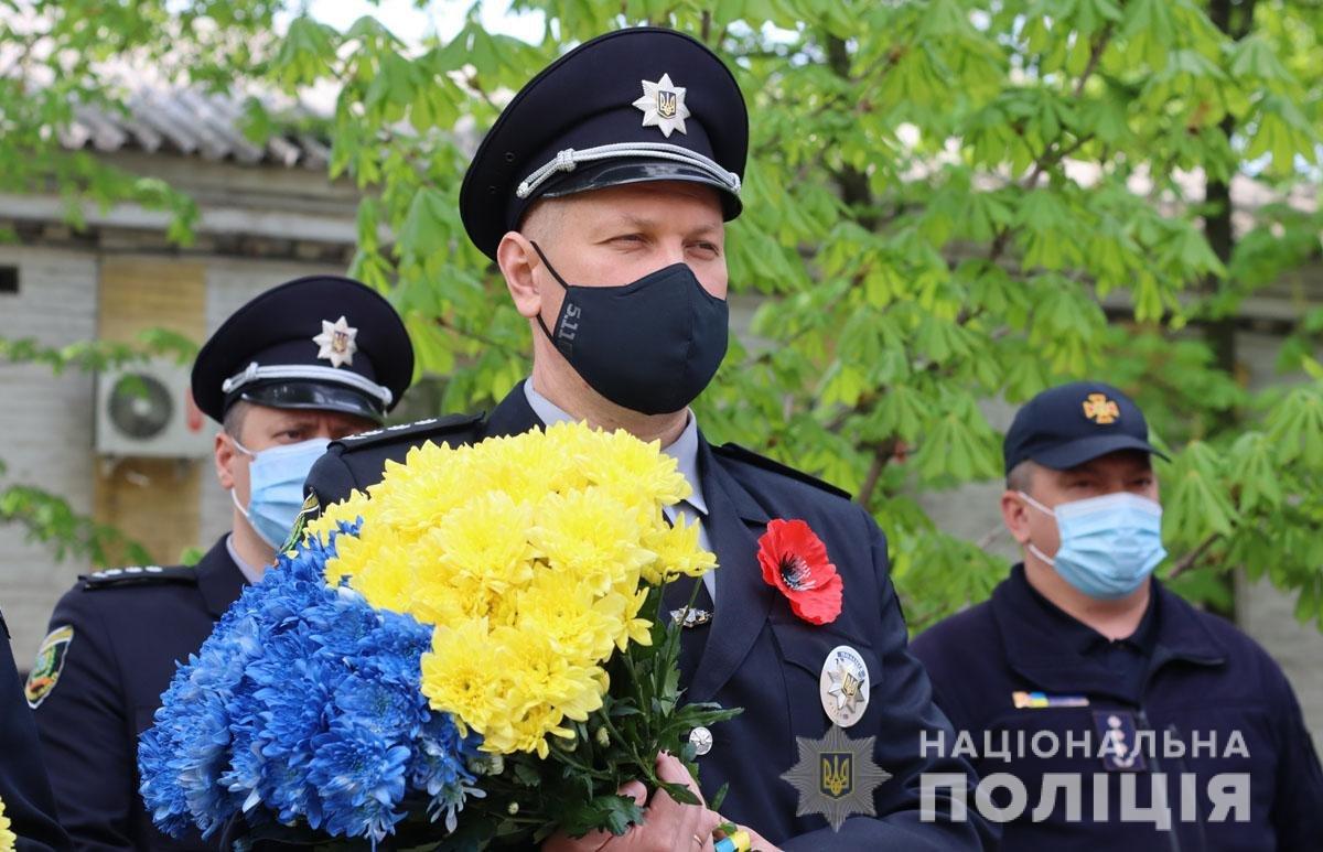 В Мариуполе почтили память погибших под ГУВД правоохранителей, - ФОТО, фото-2