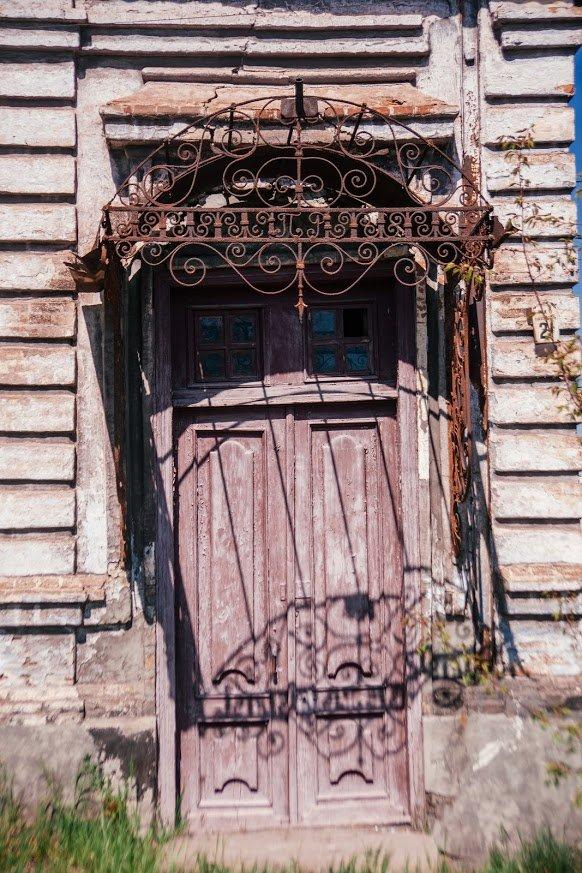 Двері мають значення. Скільки в Маріуполі старовинних дверей, і що з ними будуть робити, - ФОТО, фото-1