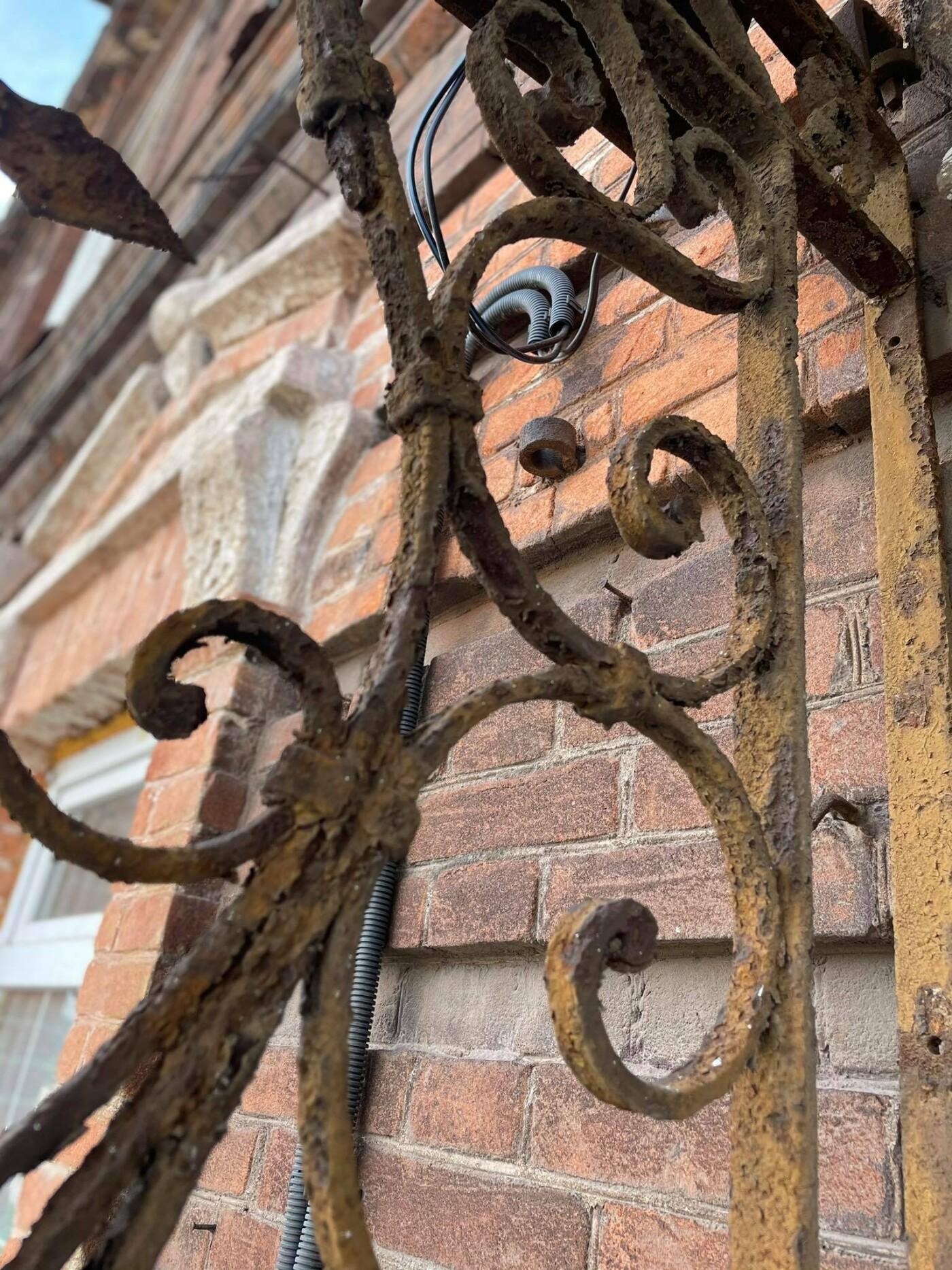 Двері мають значення. Скільки в Маріуполі старовинних дверей, і що з ними будуть робити, - ФОТО, фото-6