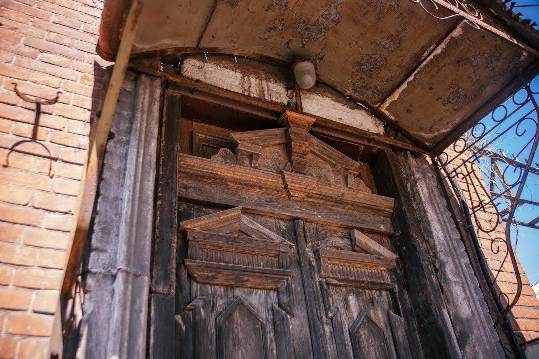 Двері мають значення. Скільки в Маріуполі старовинних дверей, і що з ними будуть робити, - ФОТО, фото-12