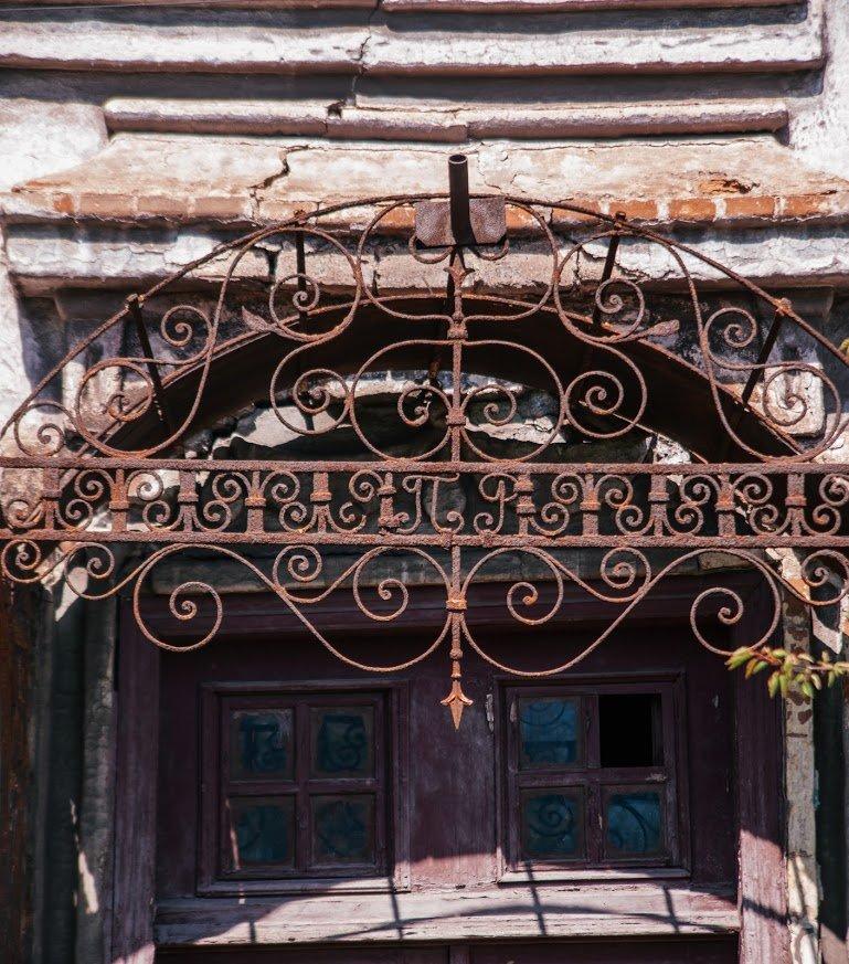 Двері мають значення. Скільки в Маріуполі старовинних дверей, і що з ними будуть робити, - ФОТО, фото-2