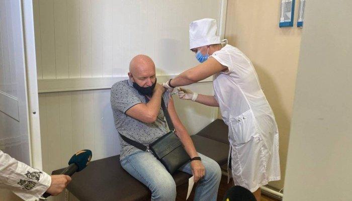 В Мариуполь завезли более 10 тысяч доз вакцин против COVID-19, - ФОТО, фото-2
