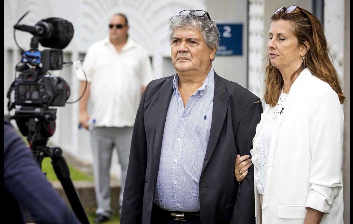 «Часто говорят, что мужчина не должен плакать. Я выл». В Нидерландах дают показания родные погибших пассажиров боинга MH17, сбитого на Дон..., фото-2