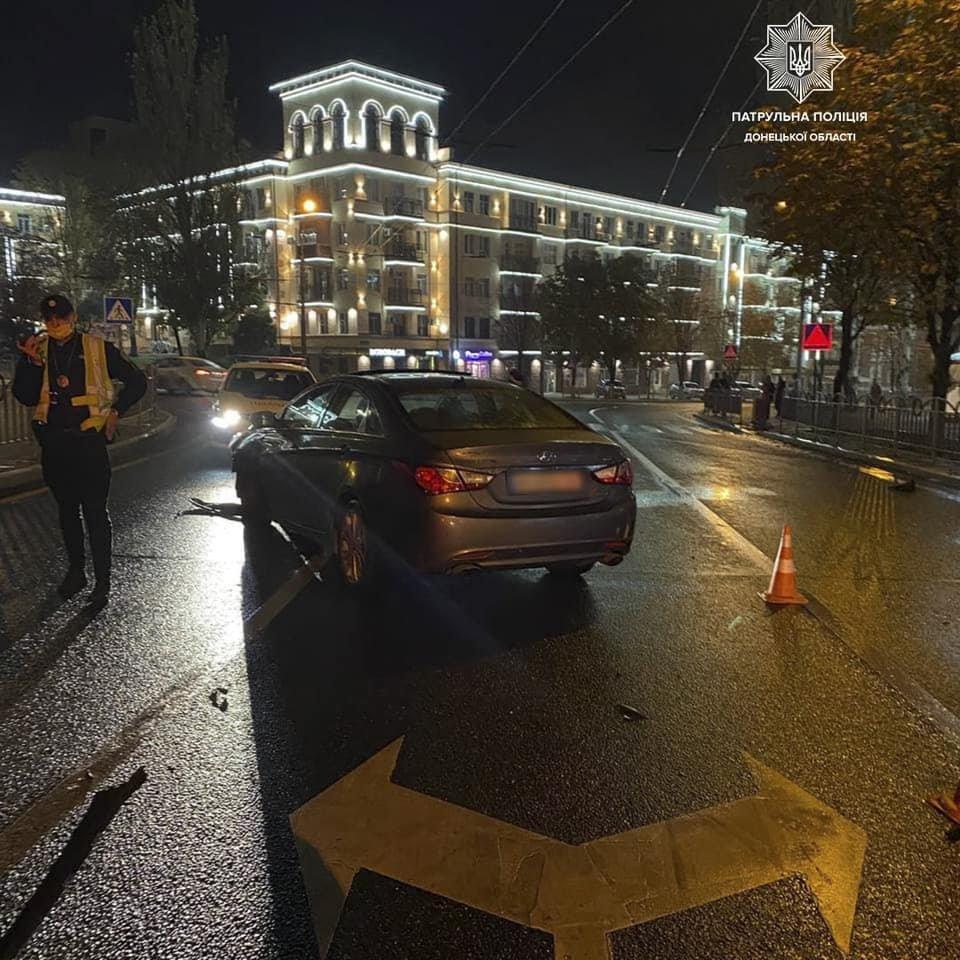 В Мариуполе 31-летний водитель влетел в ограждение Театрального сквера, - ФОТО, фото-1