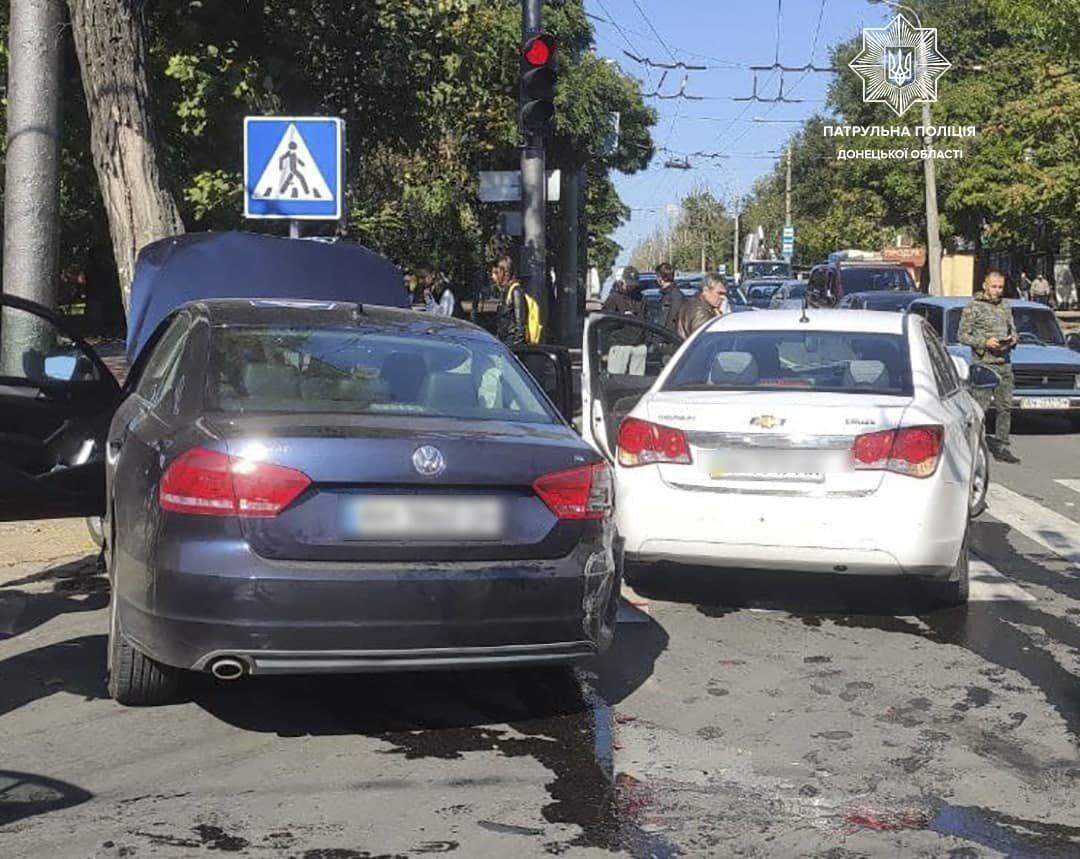 Разбиты два авто. В Мариуполе на перекрестке столкнулись иномарки, - ФОТО, фото-3
