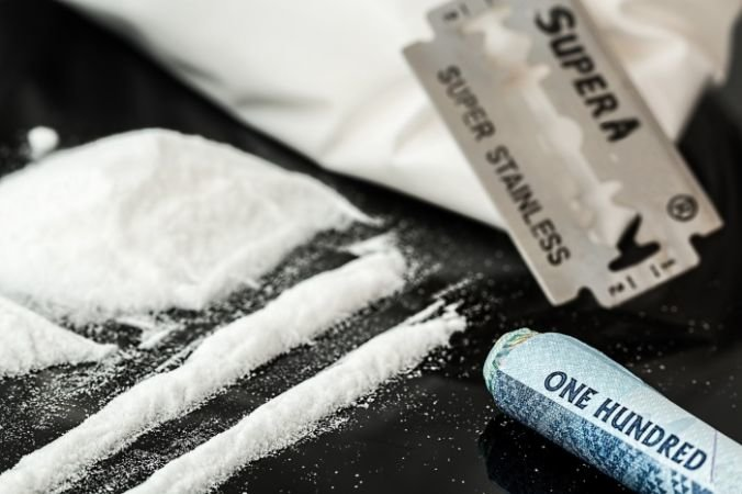 Наркомания, алкоголизм - как лечить, от чего возникают?